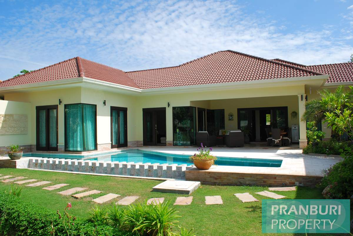 VR00026_Hana_Village_Villa_For_Rent011 Homepage with image